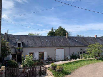 maison à Saint-Brisson (58)