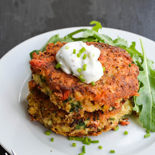 SALMON CAKES WITH CHIVE SAUCE