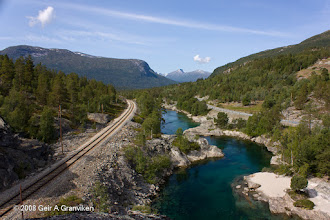 Photo: The Rauma line, the rauma river and highway E136 run side by side through Romsdalen down towards Åndalsnes (this is right after Bjorli)