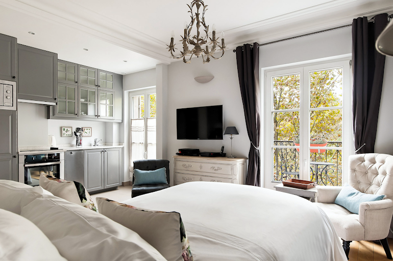 Superior bedroom in Chambertin Serviced Apartment, Palais-Bourbon