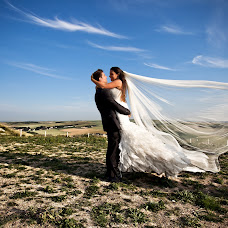 Wedding photographer Cancare Emmanuel (emmanuel). Photo of 26.01.2014