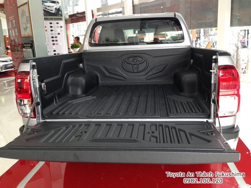 Khuyến Mãi Giá Xe Ôtô Bán Tải Toyota Hilux 2015 Nhập Khẩu Thái Lan 7