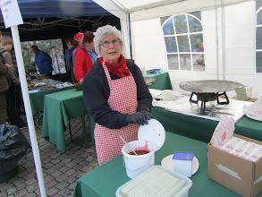 Photo: Liisa ja mansikka-omenahillo.