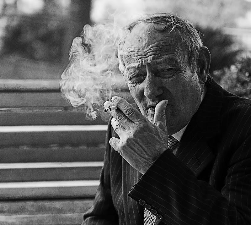 Fumare, in santa pace di Salvatore Massaiu