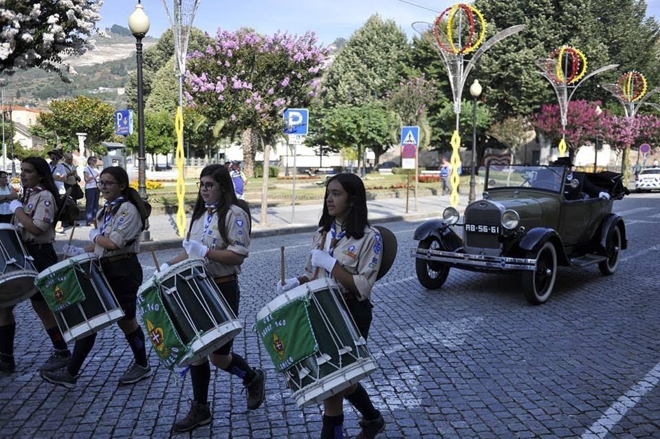 Fotos - Leitura do convite à participação dos Cidadãos de Lamego e seu Termo feita pelo ARAUTO