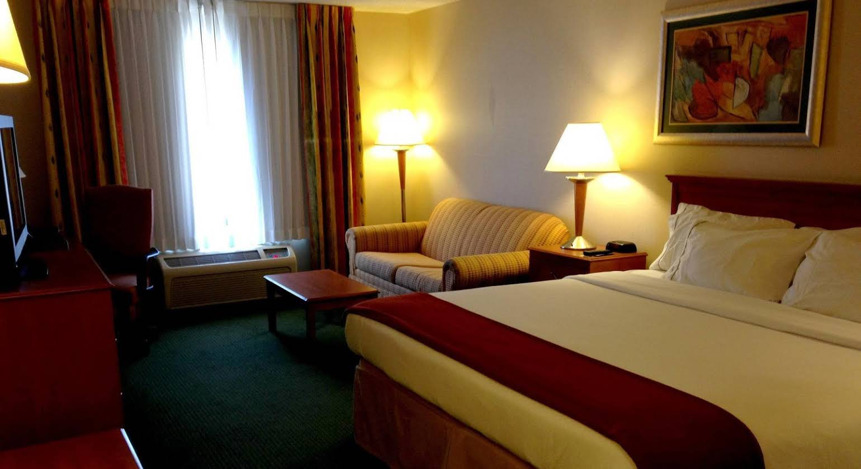 Holiday Inn Express Village West