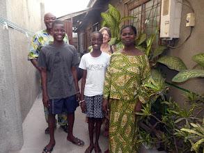 Photo: ici chez Olivier et Mireille, Enock et Sarah, leurs enfants que nous avons vus naître, et assistions même au baptême du fils.