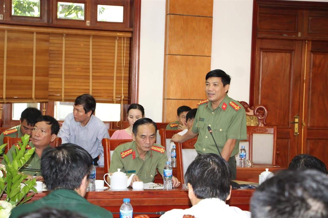 Đại tá Lê Khắc Thuyết – Phó giám đốc Công an tỉnh cảm ơn sự đồng hành, ủng hộ của các cơ quan thông tấn báo chí trong thời gian qua