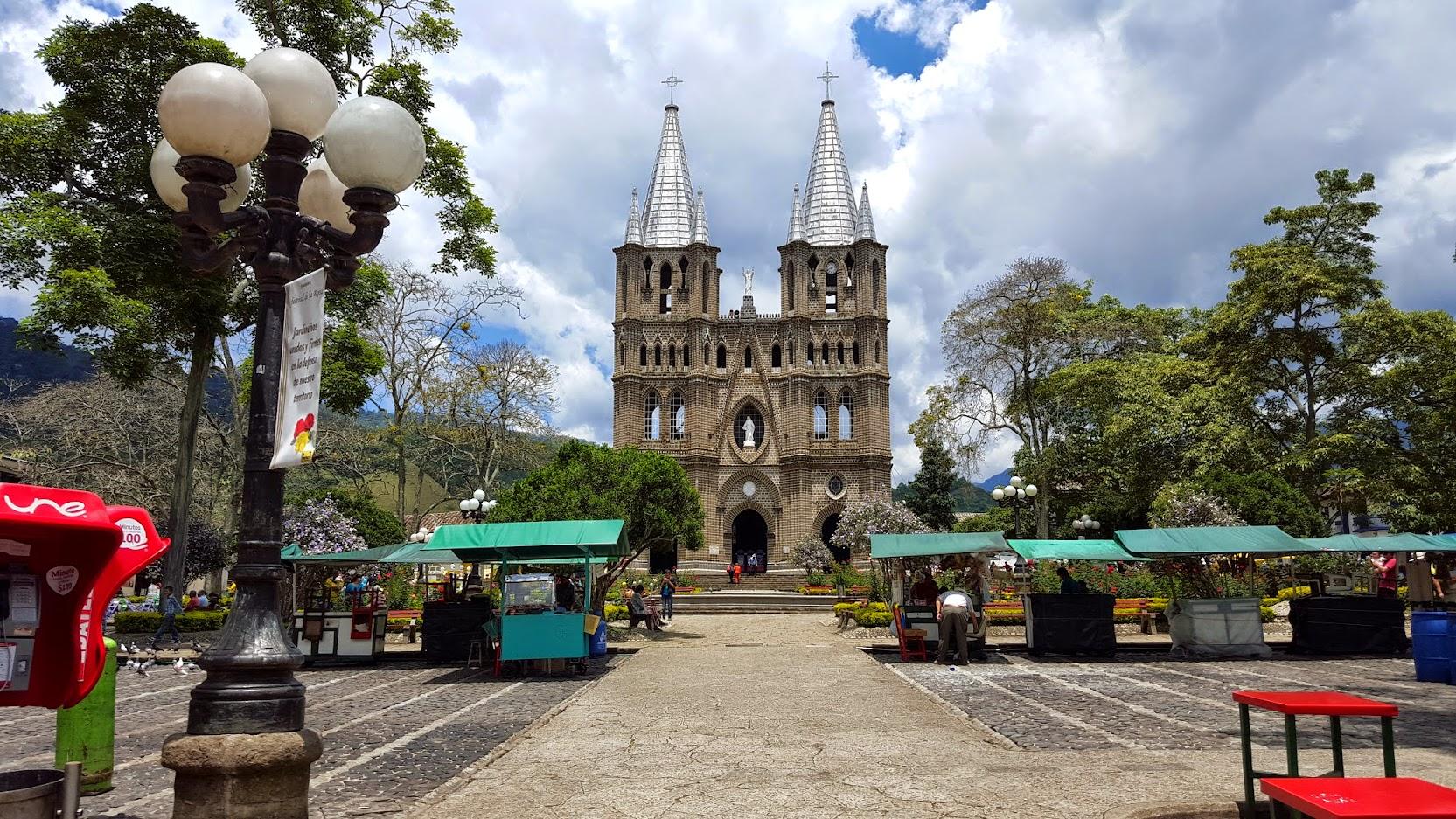 Bas lica menor la inmaculada concepcion jardin antioquia for Antioquia jardin