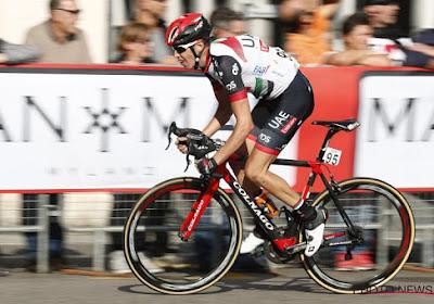 Nieuwe opgave in de Vuelta: hersenschudding en gebroken tanden voor Italiaan die even bewustzijn verloor
