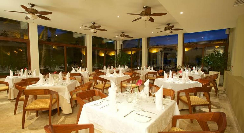 Akumal Bay Beach & Wellness Resort