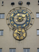 Photo: An astornomical clock by the Deutsches Museum