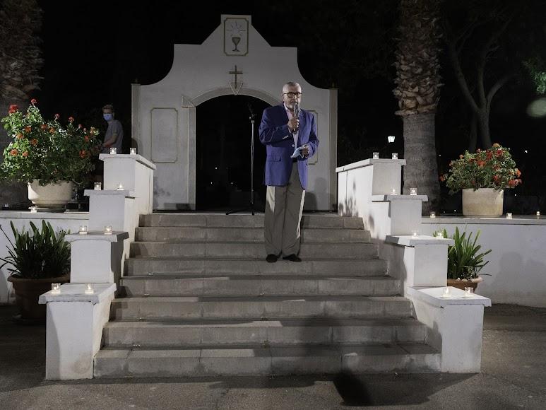 Discursos y agradecimientos a la labor de don Ramón Garrido en Aguadulce. Foto de Andy Arche.