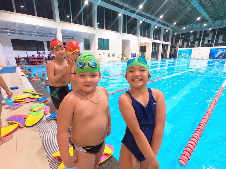 Những nguyên tắc an toàn khi đưa bé đi bơi vào mùa hè