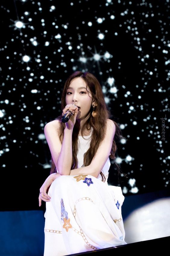 taeyeon gown 62