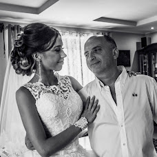 Wedding photographer Artom Bondarev (bondariev). Photo of 02.12.2015