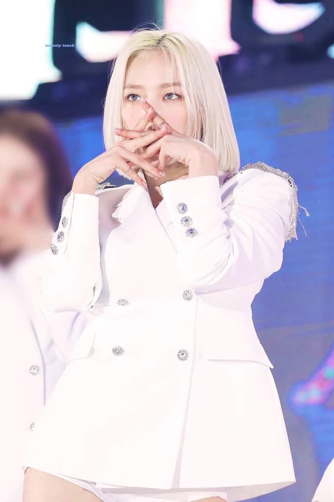 yeeun suit 37