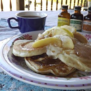 Vanilla Pancakes with Lemon-Vanilla Apples