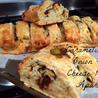 Caramelised Onion and Cheese Pull-Apart.