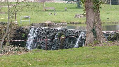 """Photo: La """"cascade"""" de Ferrières en Brie."""