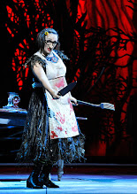 Photo: Wiener Staatsoper: HÄNSEL UND GRETEL. Inszenierung Adrian Noble. Premiere 19.11.2015. Michaela Schuster. Copyright: Barbara Zeininger