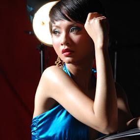 Reflection Girl by Kris Hartanto - People Portraits of Women ( fashion, girl, woman, beauty,  )