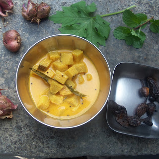 Yam in Curd coconut gravy/ Chena Morkootan