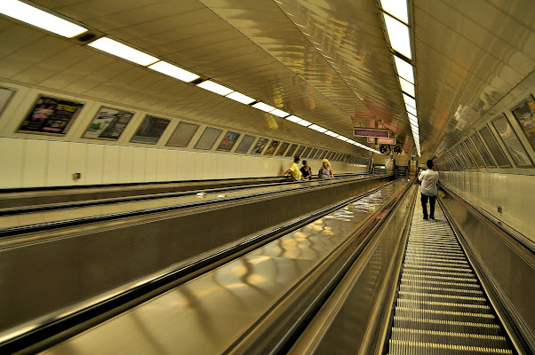 la metro è fatta a scale... di kaos