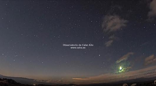 Una bola de fuego con una luminosidad como la luna llena se ve desde Calar Alto