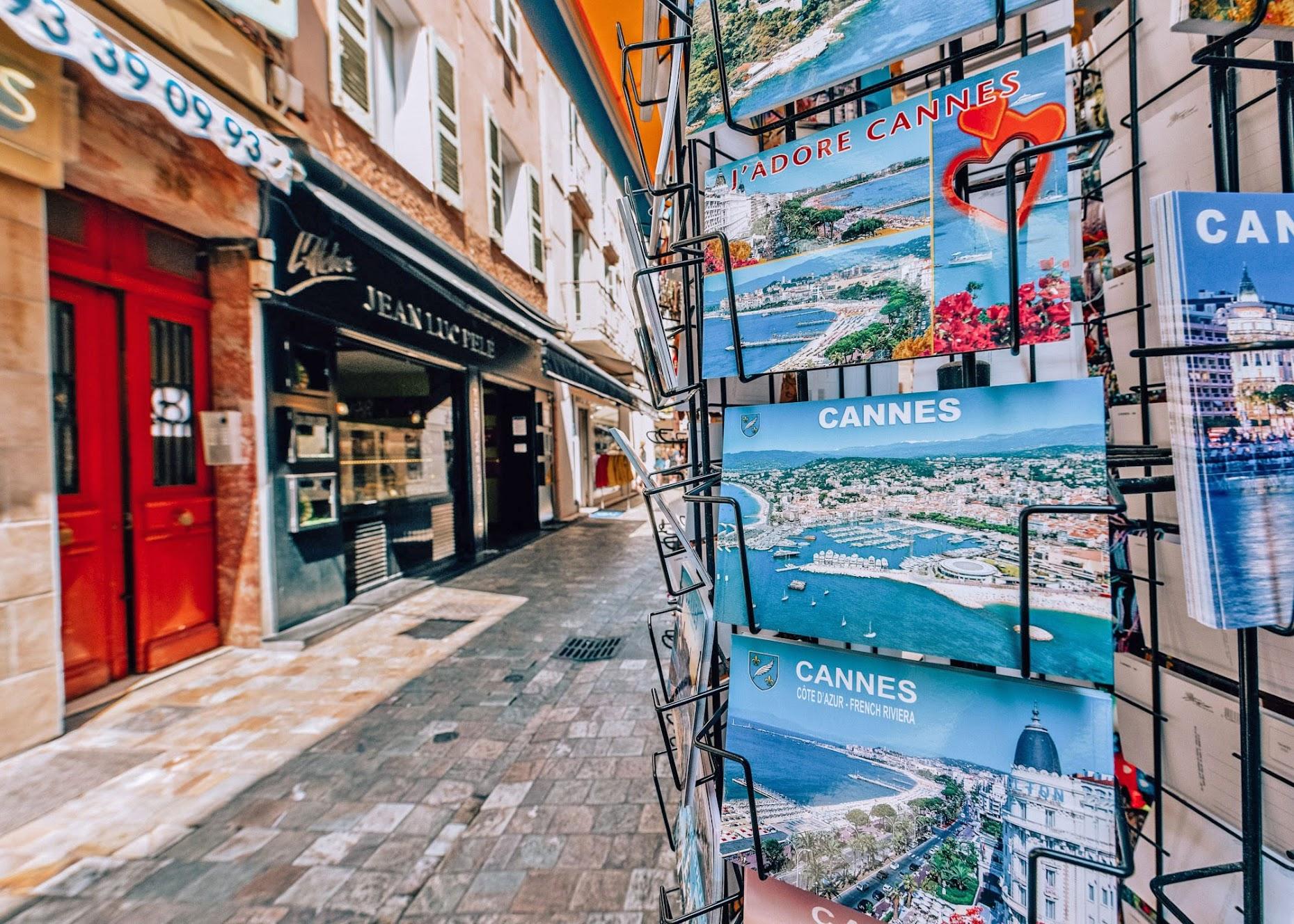 Cannes, France with Hotel Martinez - Izkiz