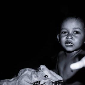 don't shot me by Surya Brilliant - Babies & Children Child Portraits
