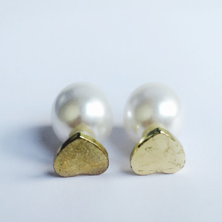 E024 - G. Love is in the Air Faux Pearl Earrings