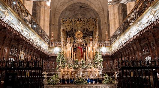 El primer palio de Almería: montaje histórico para los 25 años de la Merced