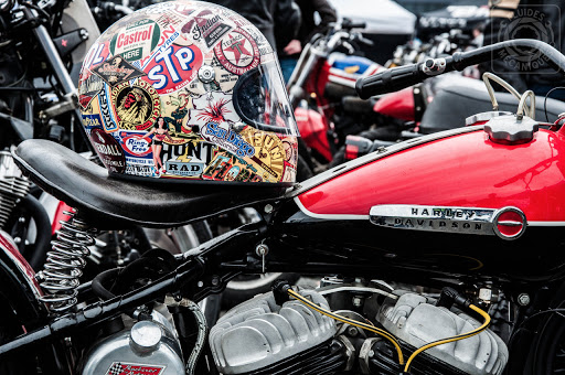 Harley Davidson WLDR 69X, circuit Carole, présenté par Machines et Moteurs.