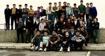 Photo: Fran Perez Andrés ns envía esta fotografía de 1990: ES DE UN VIAJE A ENSIDESA EN 2º DE BUP,  EN EL PUERTO DE GIJON.