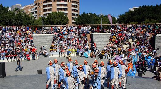 Multitudinario desfile de Carnaval y fiesta de la sobrasada