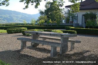 "Photo: Tisch ""Grotto"" aus Calancagneis, Oberfläche naturgespalten, Kanten roh bearbeitet - 240 x 90 x 8-9 cm"
