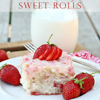 Fresh Strawberry Sweet Rolls