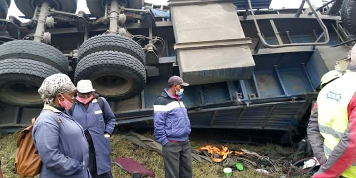 The accident which occurred on Tuesday morning involved two trucks and a saloon car(probox) .