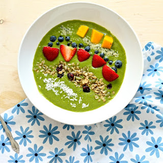 Matcha Avocado Smoothie Bowl
