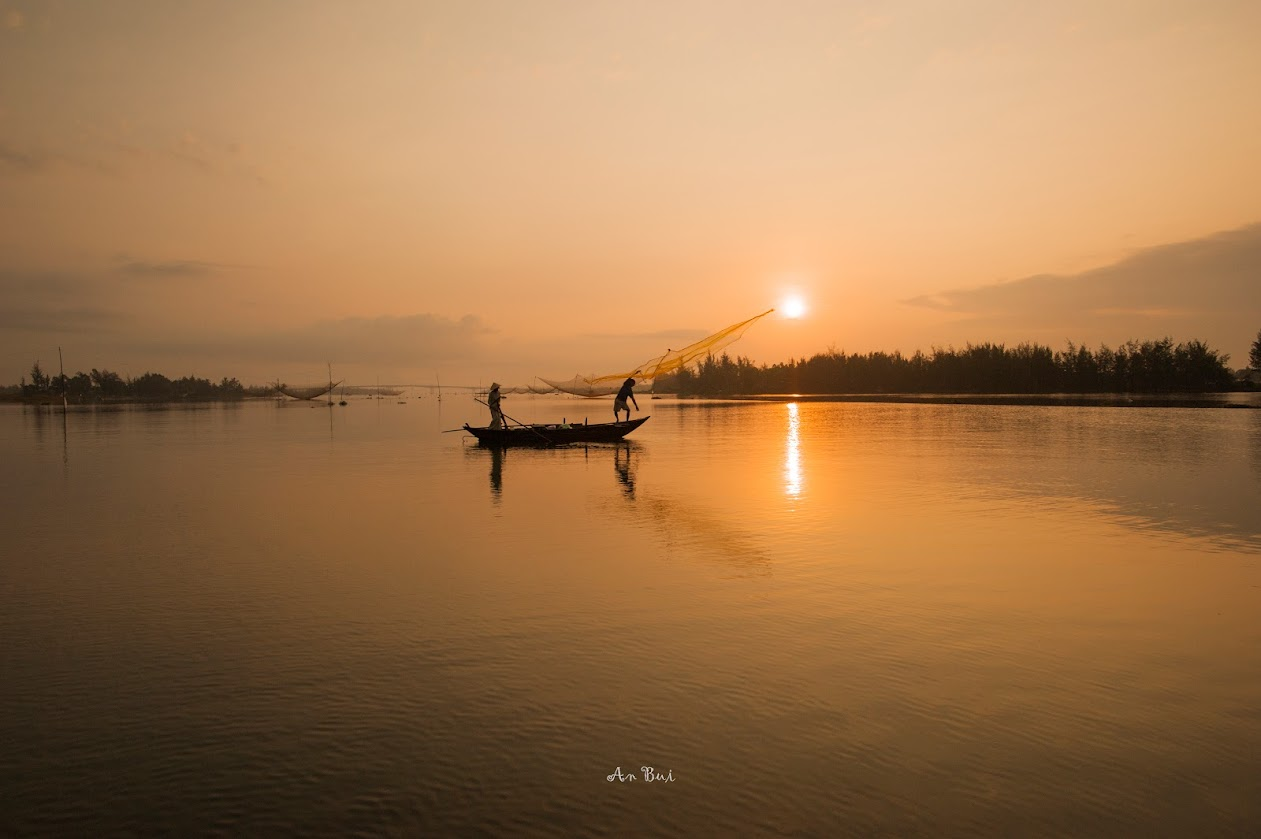 Sunrise photo shooting at Fishing Village in Hoian