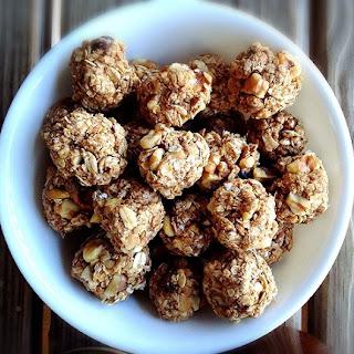 "Apple PB Oatmeal Cookie ""Dough"" Bites"