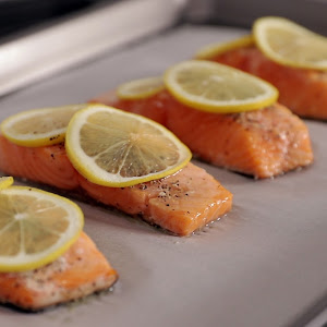 Simple Baked Salmon with Lemon