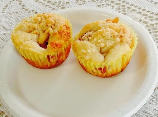 Raspberry Almond Streusel Muffins Recipe