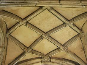 Photo: Gotisches Kreuzrippengewölbe über dem Brautportal am Südeingang (um 1470)