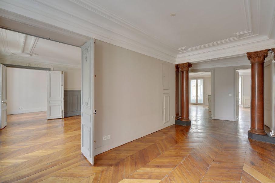 Location  locaux professionnels 5 pièces 201.8 m² à Paris 6ème (75006), 8 786 €