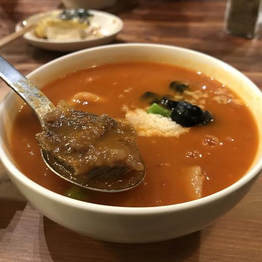 俄羅斯牛肉湯的味道非常豐富,一家適合上班族日常來吃的居家店,應該來快10次了