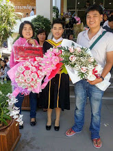 Photo: Woranut with her mum and Gee at Graduation Ceremony