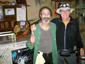 Photo: Etapa 18 a. Amb Eusiginio tot un personatge del camí. Bar La Torre o Bar de Elvis. Reliegos