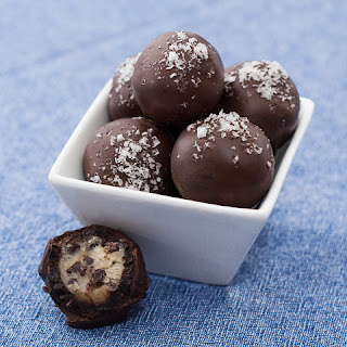 Chocolate Chip Cookie Dough - Brownie Bonbons